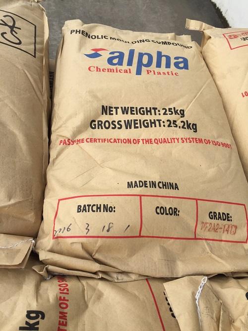 Ảnh: Nhựa Phenolic Moulding Compound (Nhựa Bakelit) in logo thương hiệu của Công ty TNHH Hóa chất Alpha Việt Nam